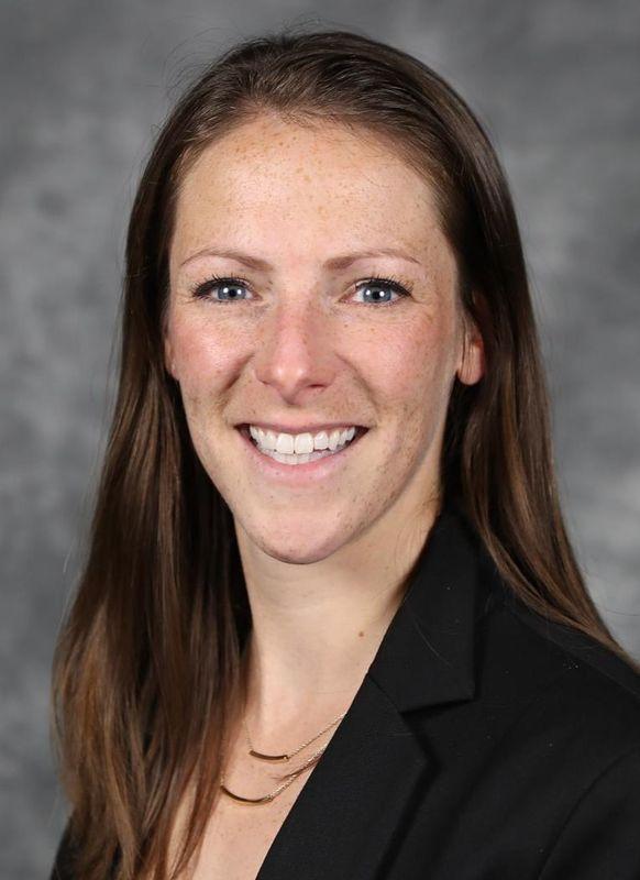 Nicole Freitag - Cross Country - Virginia Cavaliers